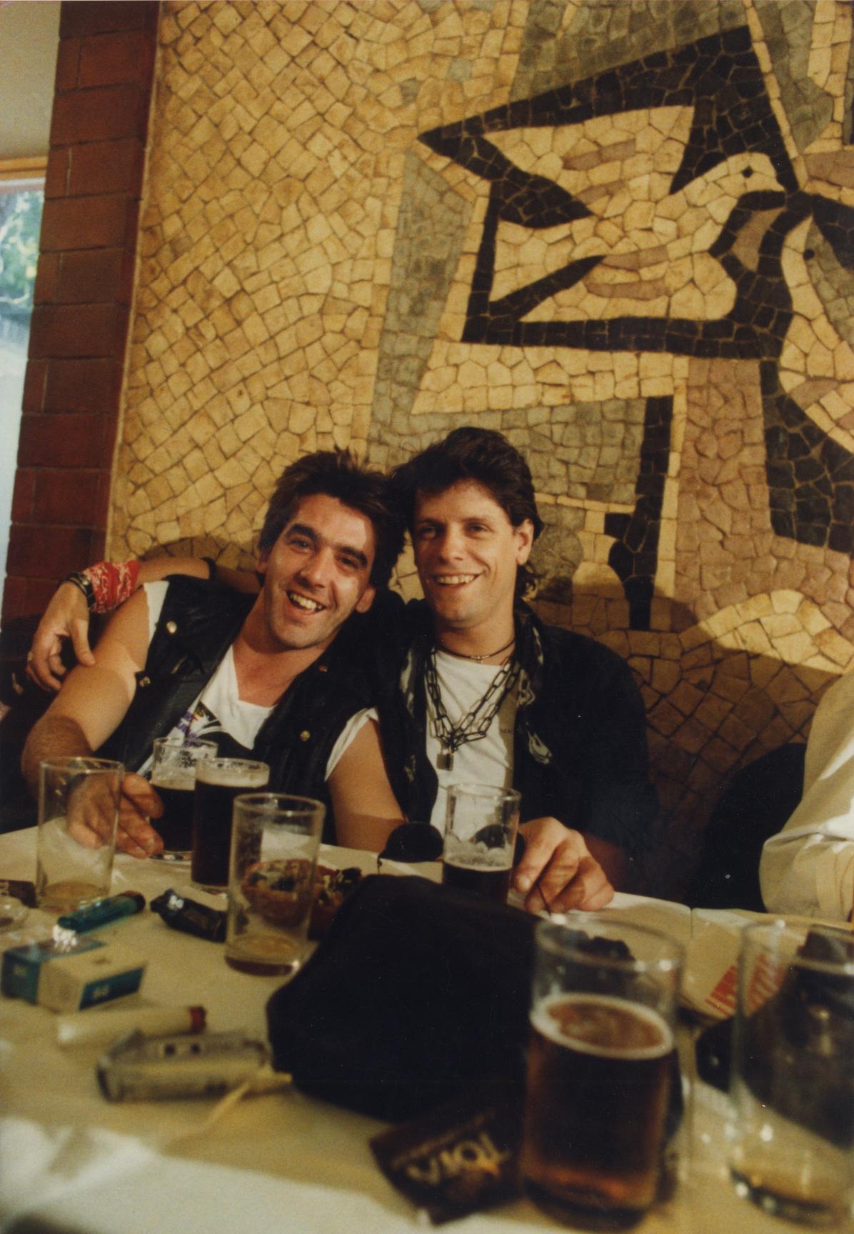 1989 Triplo é disco platina. CervTrindade